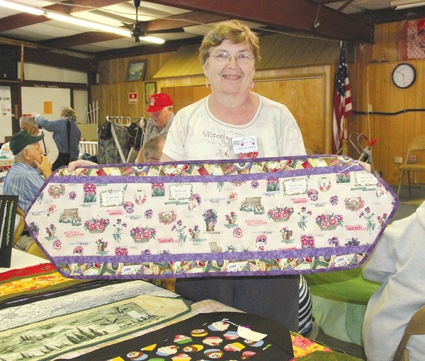 Winter texans selling their crafts for Craft show ideas to sell